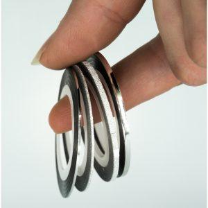 Striping tape set in de kleur zilver.