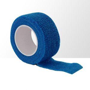 Vinger wrap in de kleur blauw om de nagels te beschermen.