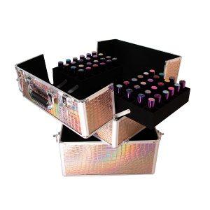 Nagelkoffer croco-pink-holo met veel opbergruimte.