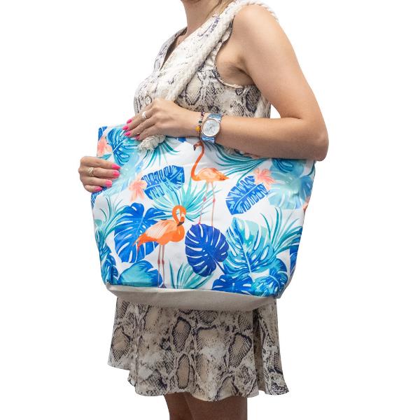 Strandtas Beach Babe een leuk tas voor de zomer.