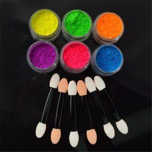 Neon pigment poeder set voor nageldecoratie met extra effecten.