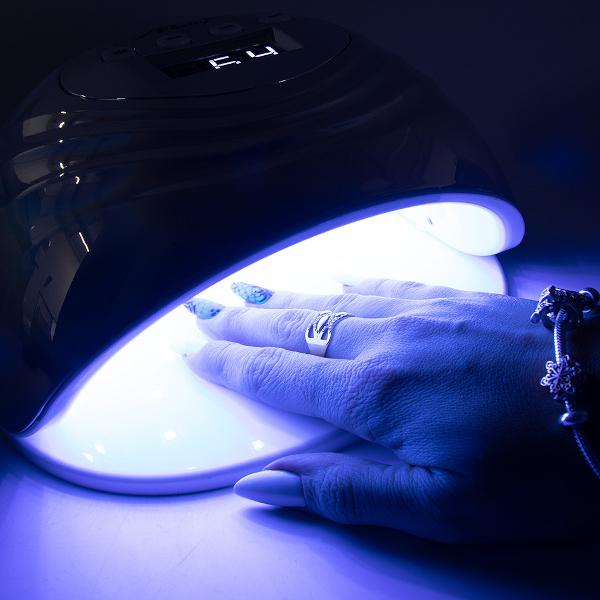 LED/UV Lamp 86W Infinity holo-zilver is perfect voor het uitharden van gel en gellakken.